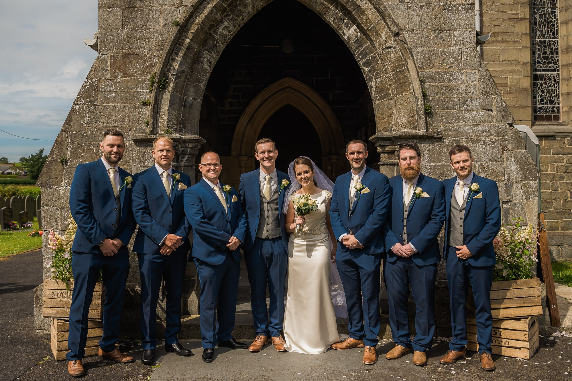 bride groom and groomsmen