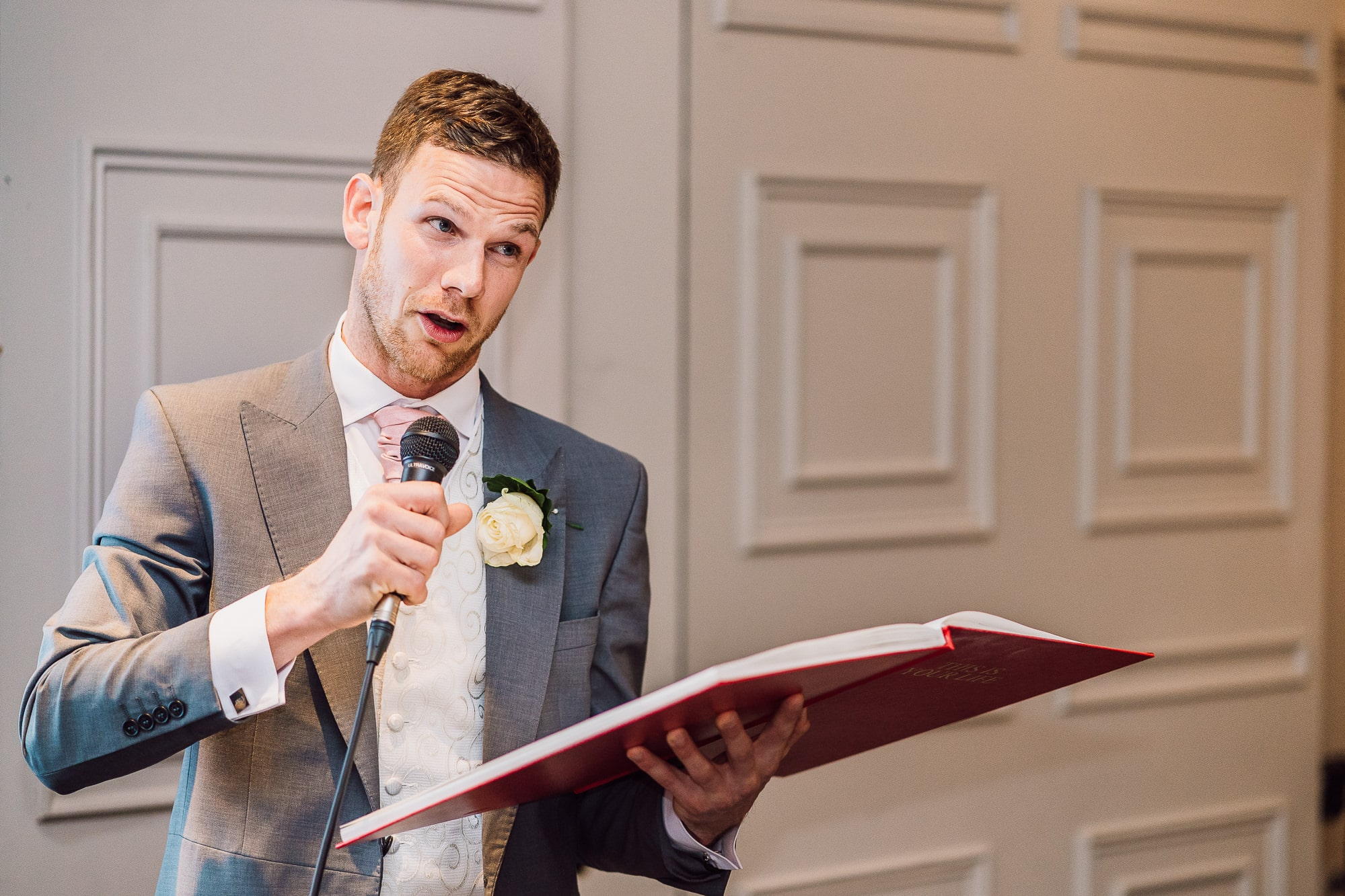 Best man speech photographed by Andy Griffiths Photography at Mottram Hall
