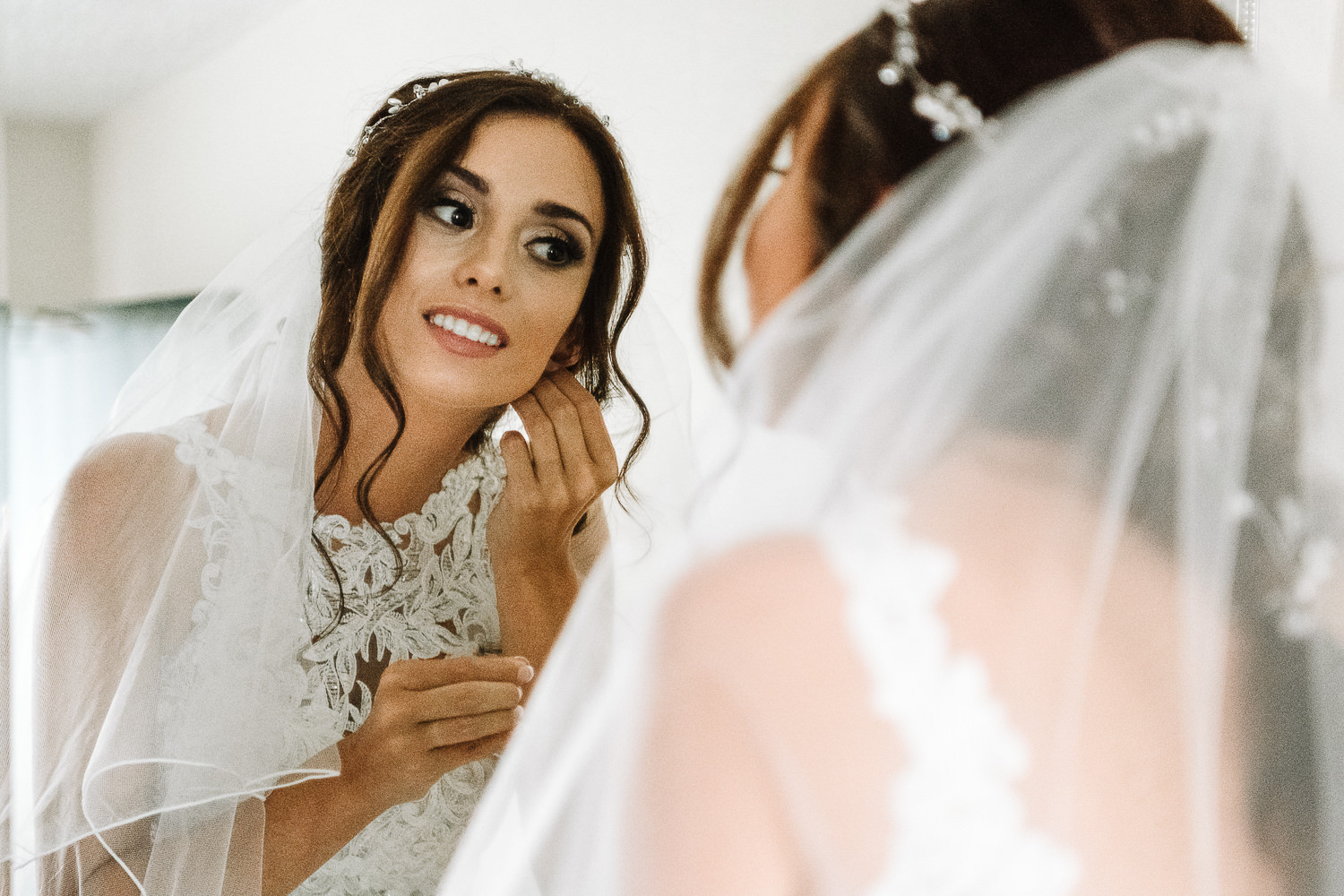 Bride putting in her earnings