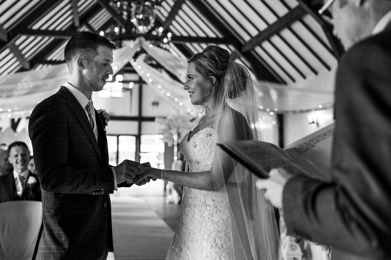 Exchanging the wedding rings