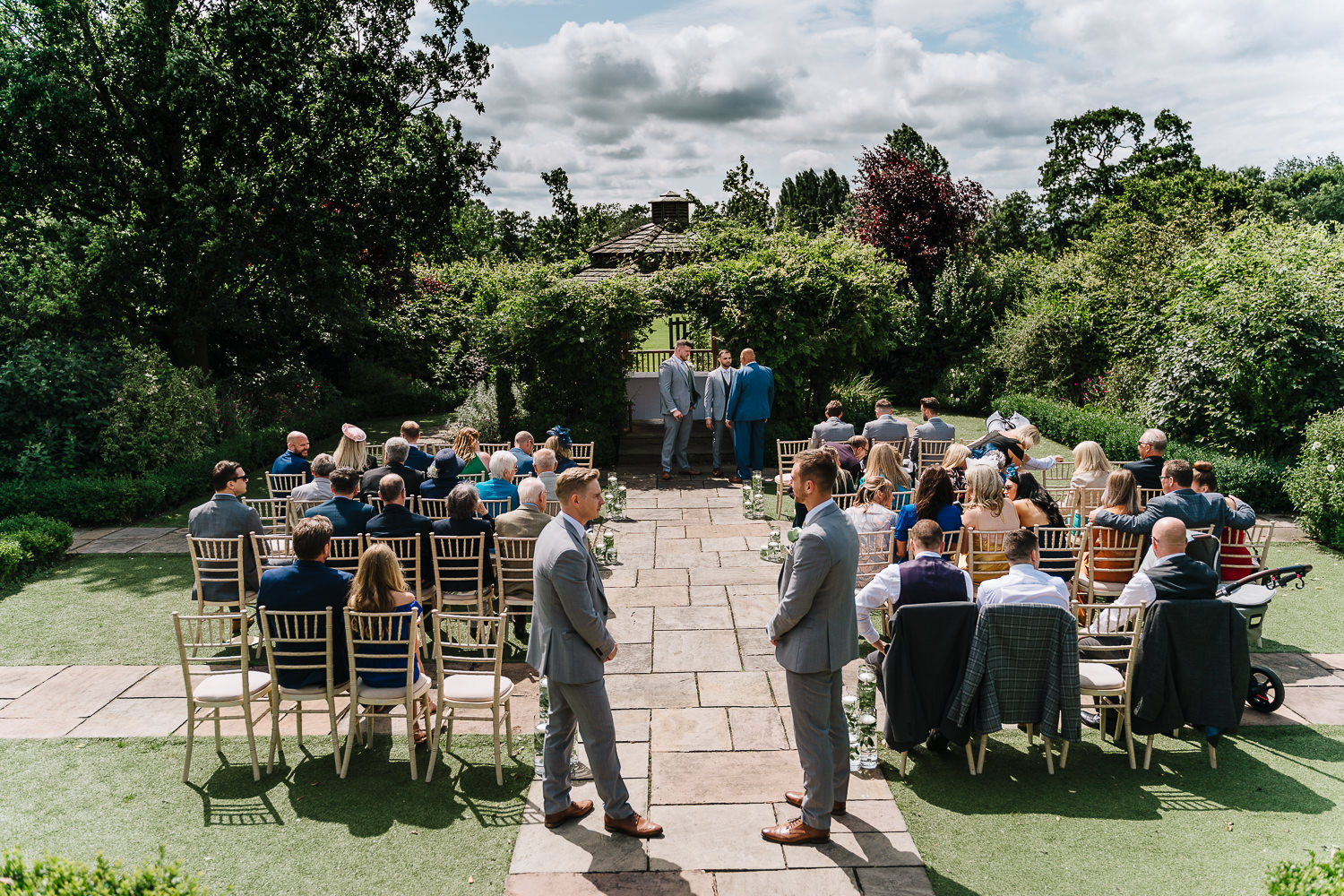 Outdoor ceremony at Pryors Hayes