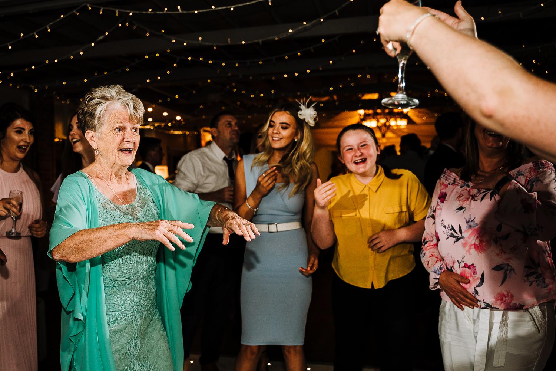 Gran dancing
