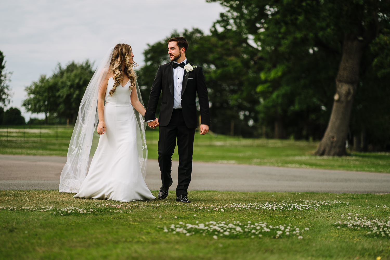 Couples photos at Merrydale Manor